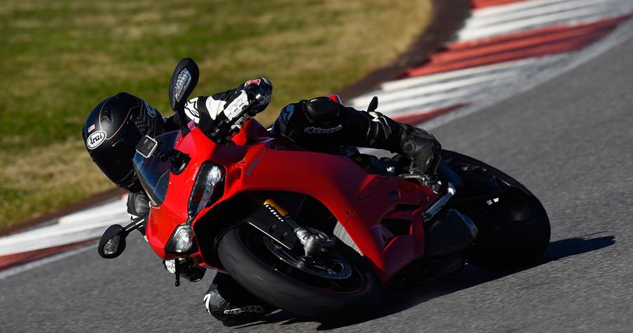 Ducati Panigale-S - W akcji