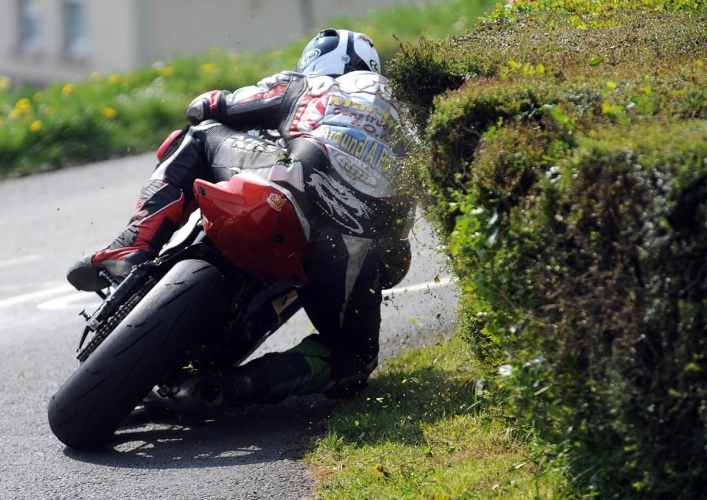 Isle of Man TT - kompilacja najlepszych scen i wypadków