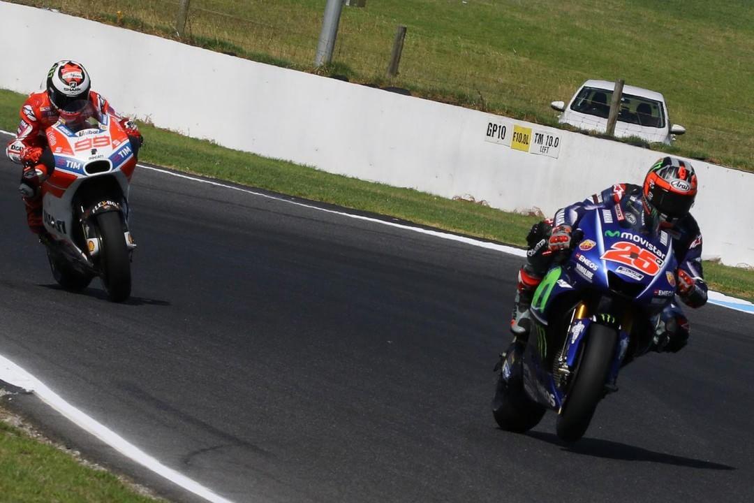 Blue to red  maverickvinales25 jorgelorenzo99 AusTest MotoGP